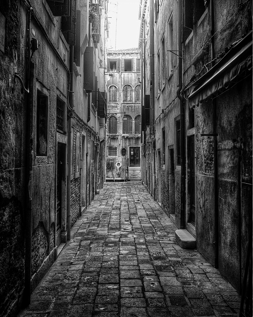 Another quiet Venice alley
