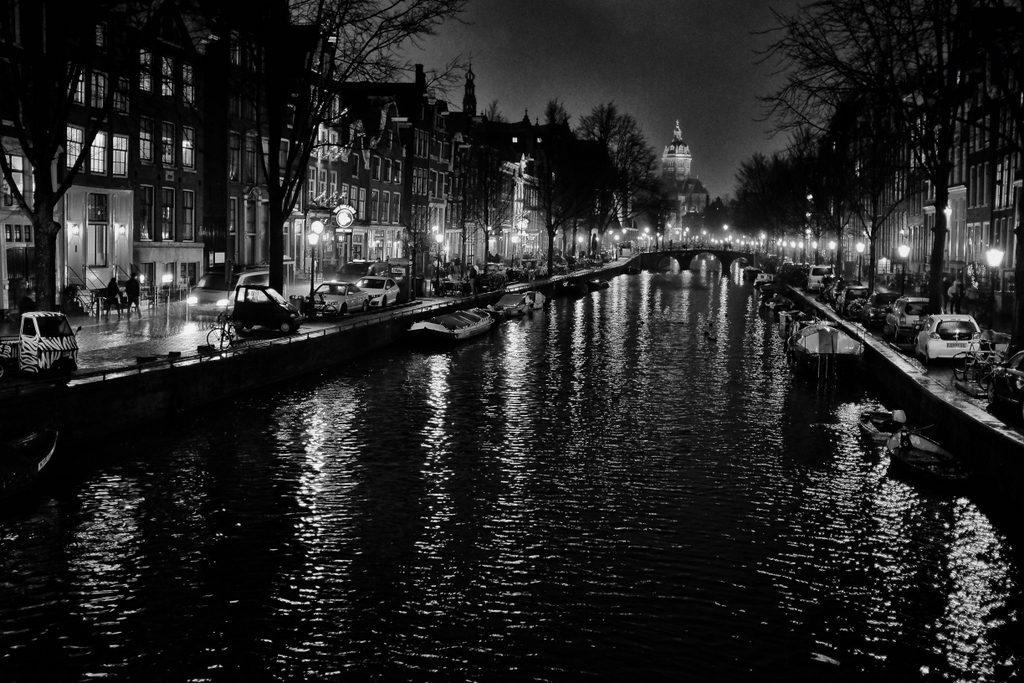 A Rainy Night in Amsterdam with the Fuji X100S